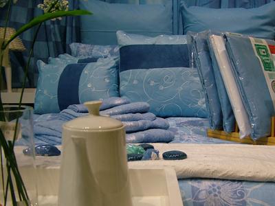 une bonne entreprise de linge de lit sur mesure. Black Bedroom Furniture Sets. Home Design Ideas