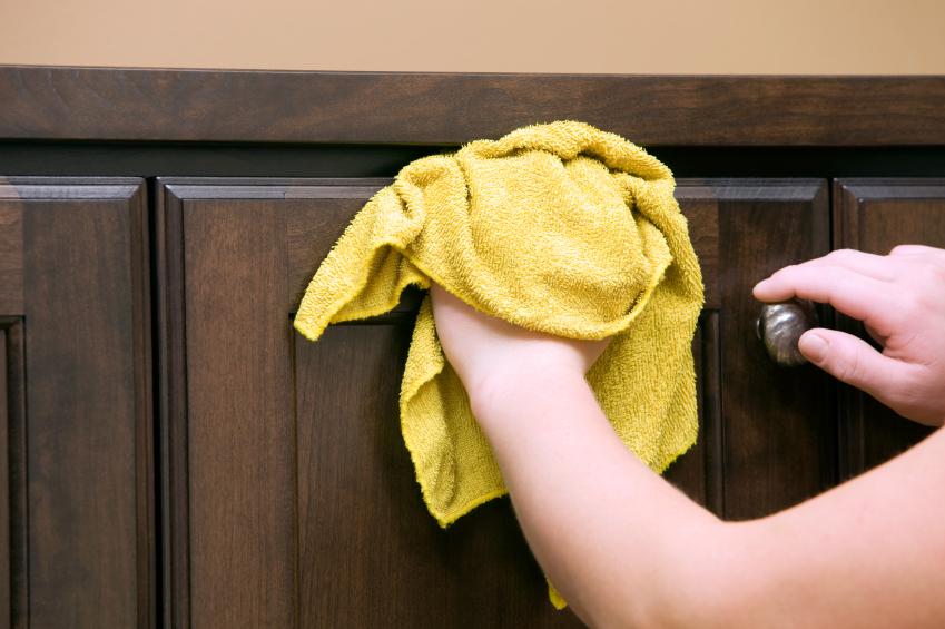 nettoyer vos armoires de fa on efficace. Black Bedroom Furniture Sets. Home Design Ideas
