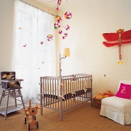 comment choisir les rideaux pour la chambre du b b. Black Bedroom Furniture Sets. Home Design Ideas