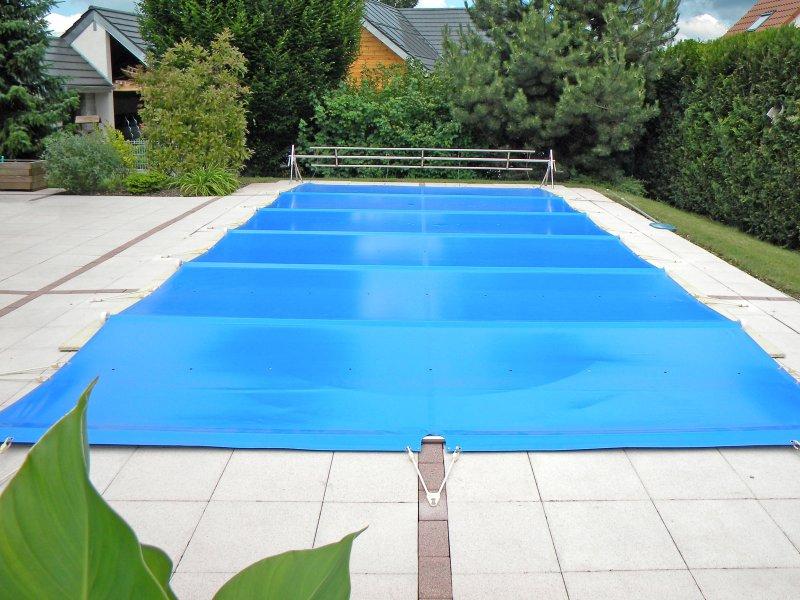Hiverner sa piscine pour éviter les dommages causés par le gel