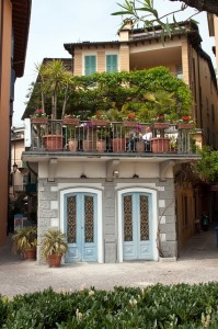 balcony-garden-402609_640