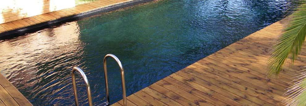 Construction d'une piscine en bois enterrée: quand commencer ?