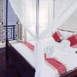 Le lit baldaquin est-il toujours tendance?
