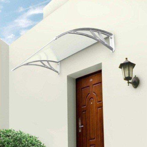 Un auvent de porte pour une entrée de maison accueillante