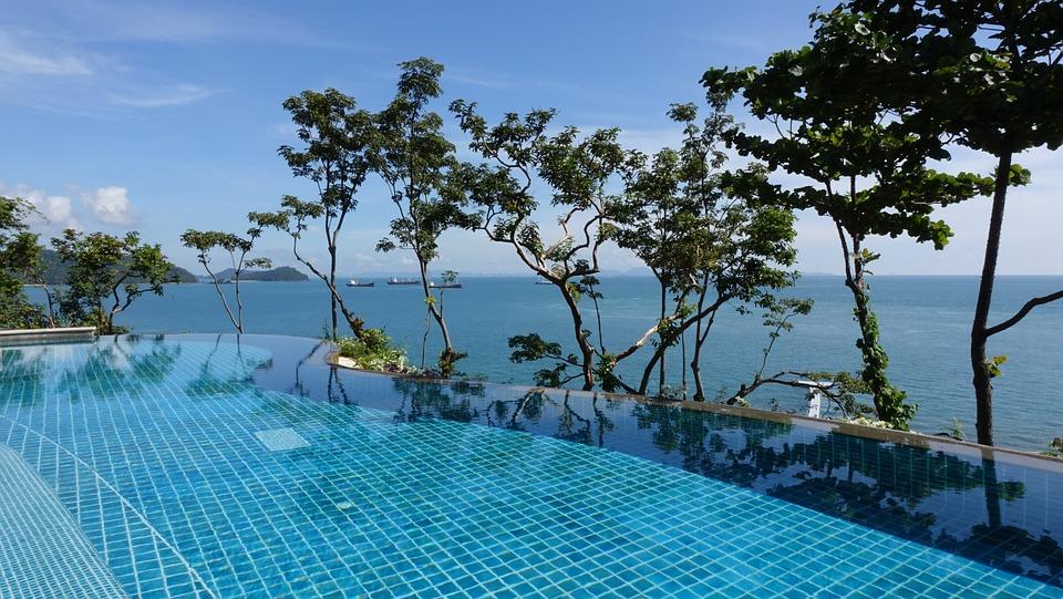 Des vacances dans une piscine coque