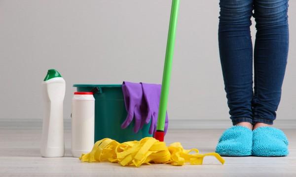 Astuces pour nettoyer le sol sainement