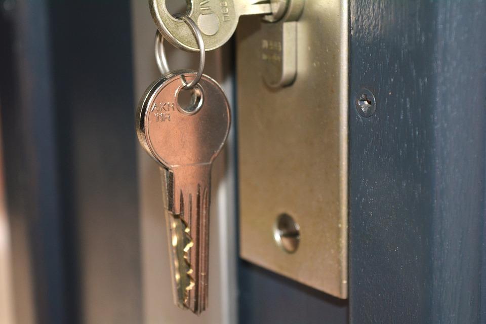 Quels sont les différents types de serrures de portes ?