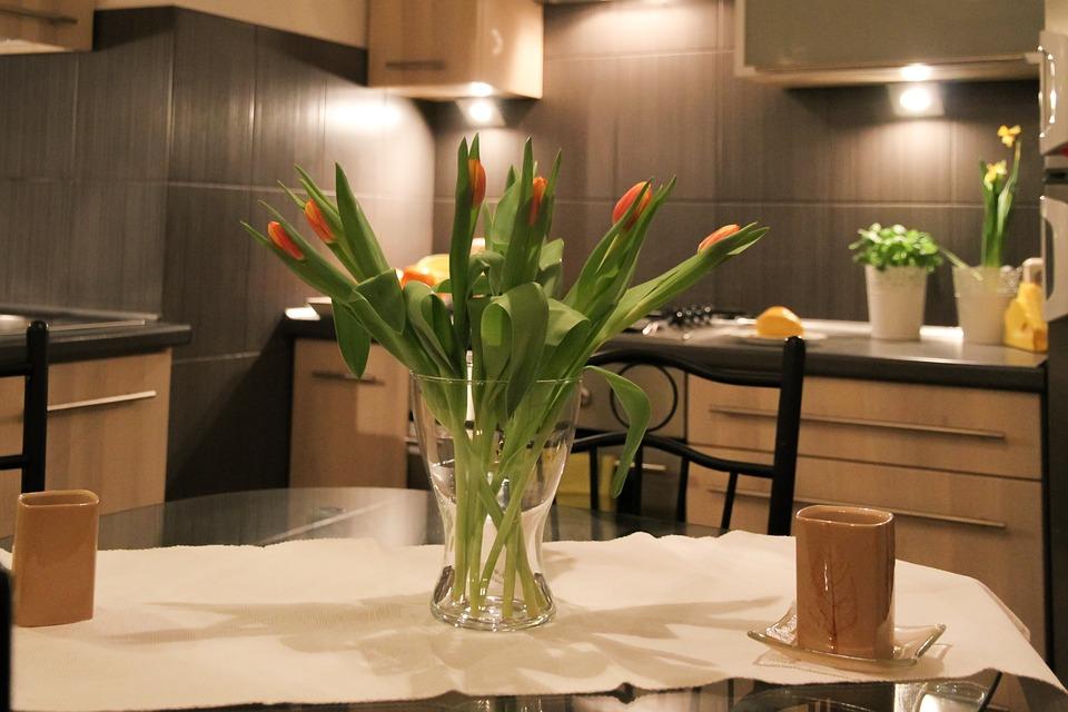Des fleurs et des décorations