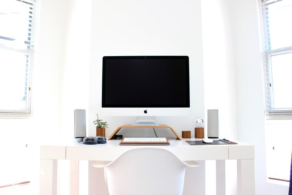 Comment et à quelle fréquence faut-il nettoyer son bureau?