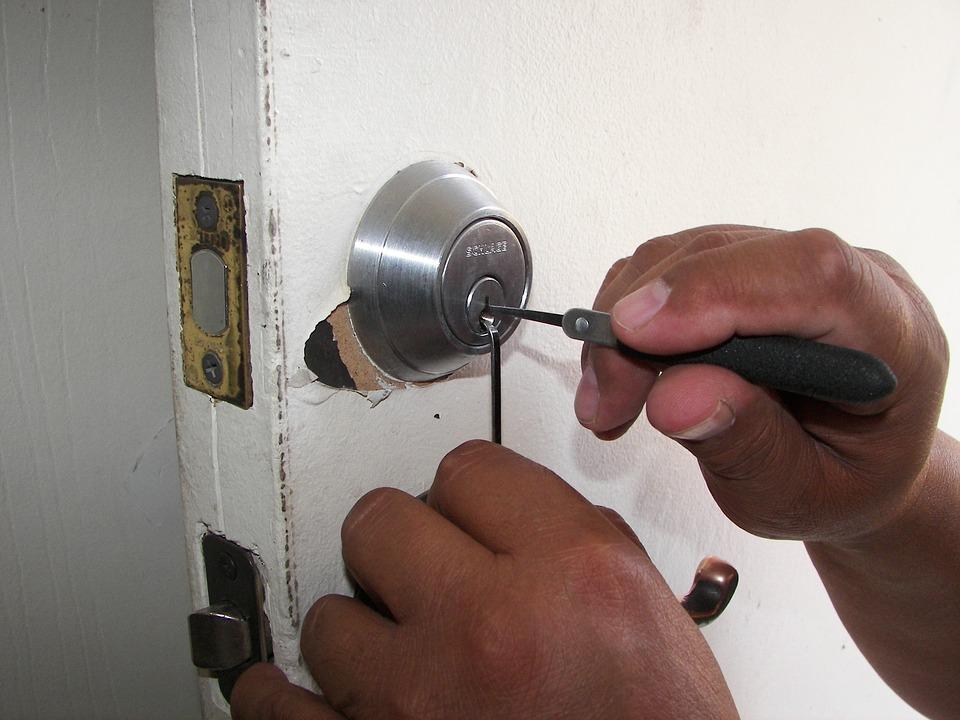 Renforcer la sécurité de votre maison pendant votre absence