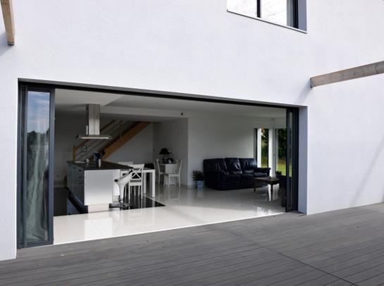 Choisir une baie vitrée sur-mesure pour sa maison