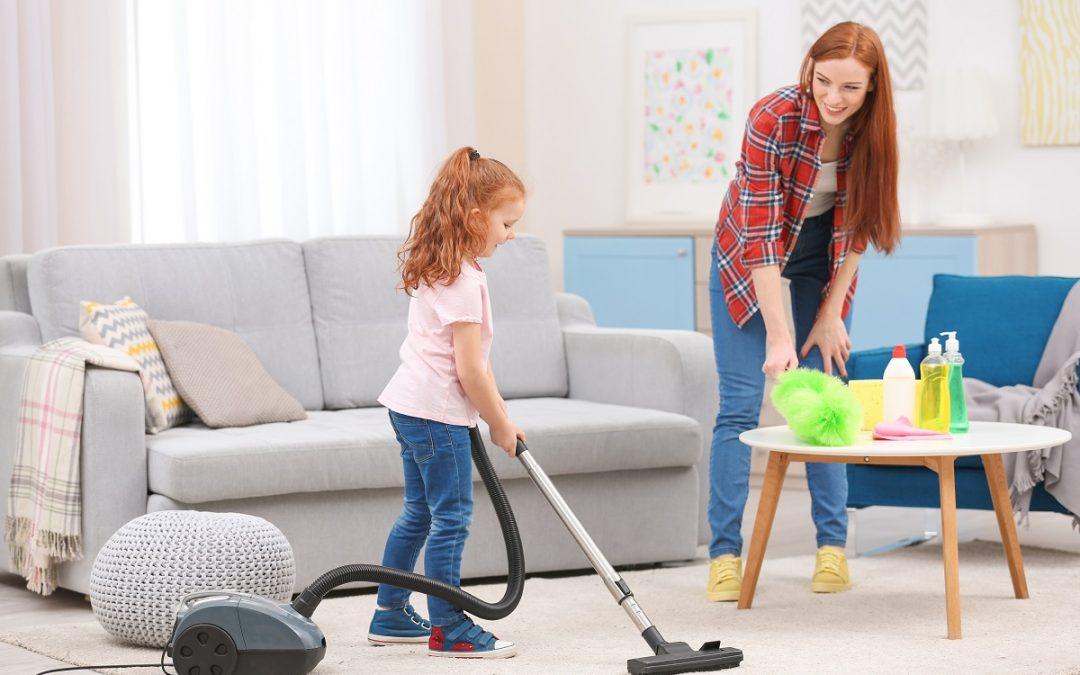 Faire participer les enfants au ménage