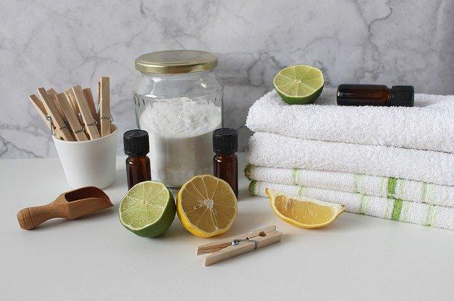 Nettoyer la porte et l'extérieur du lave linge
