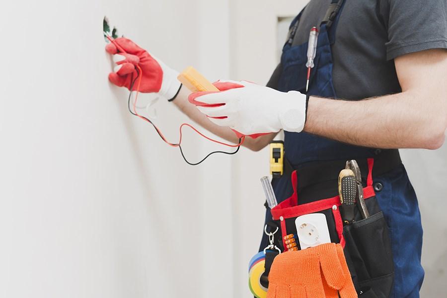 Quand et pourquoi faire appel à un électricien?
