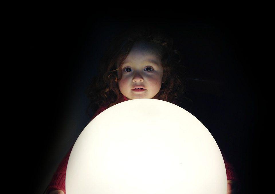 Pourquoi acheter une lampe lune ?