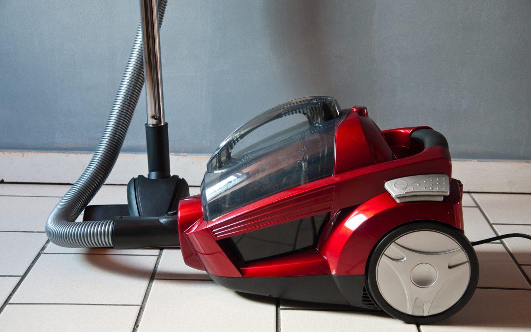 Choisir le meilleur aspirateur balai pour un nettoyage parfait