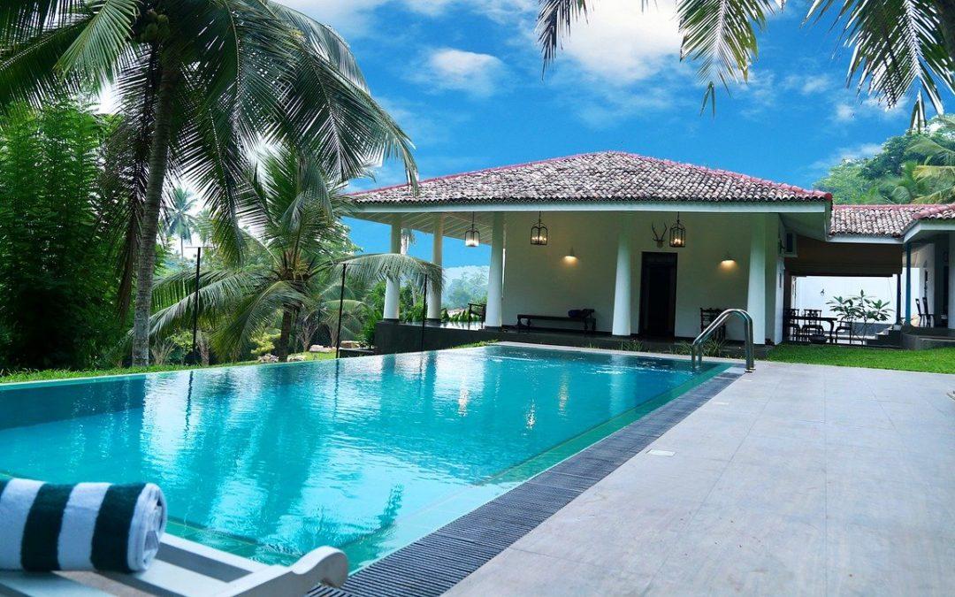 Quels sont les avantages d'un abri piscine?